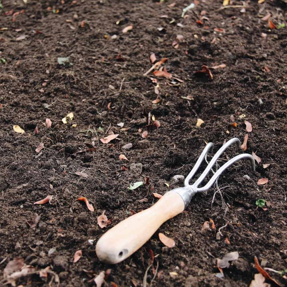 How to Make DIY Potting Soil | Home for the Harvest