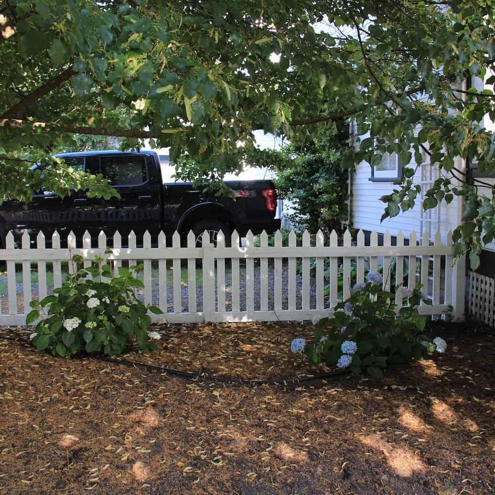 Preparing your garden for winter fall garden clean up - How to prepare garden for winter ...