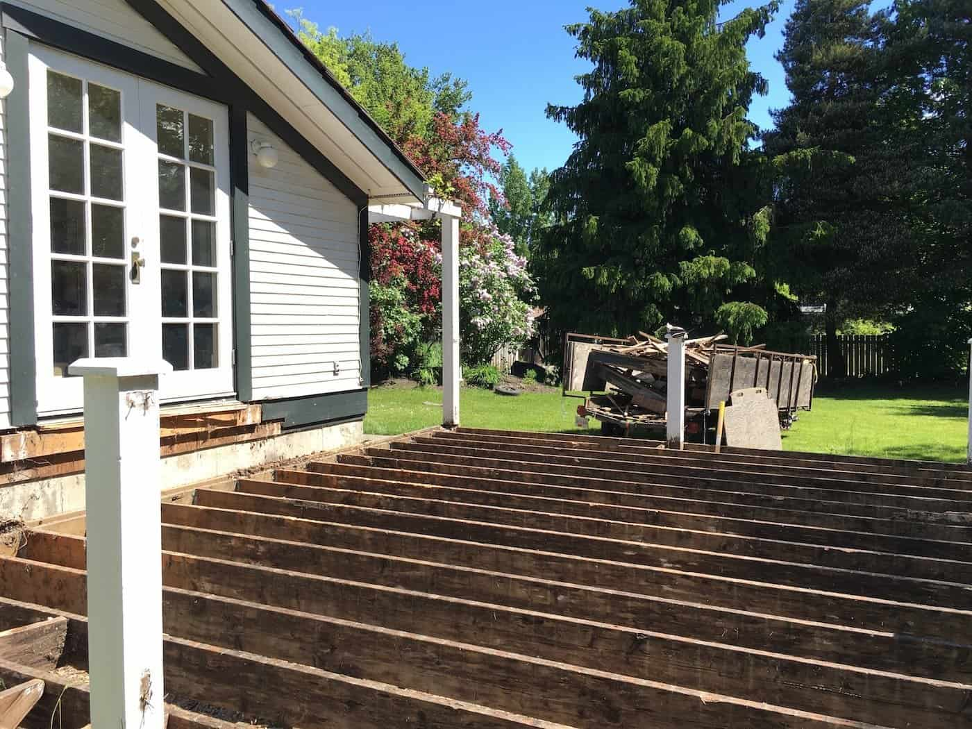 It's finished! This DIY deck project took us a few weekends this summer. We laid new cedar decking to update our old deck. #newdeck #DIYdeck #deckproject #cedardecking
