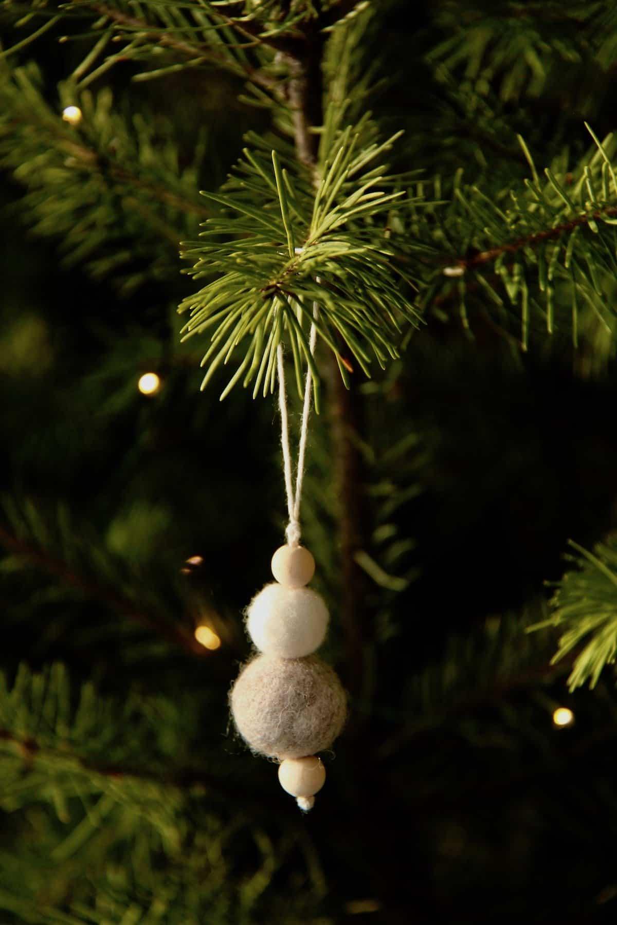 simple felt ball ornament