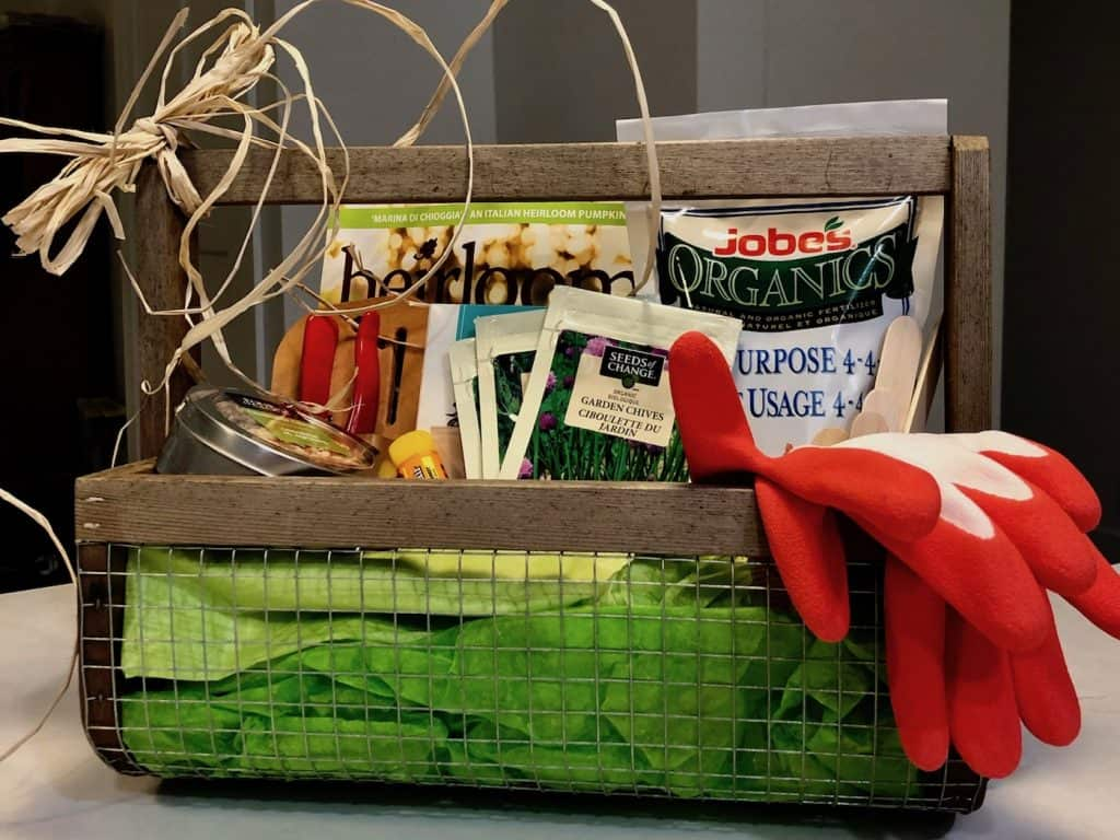 How to Make a Gardening Gift Basket