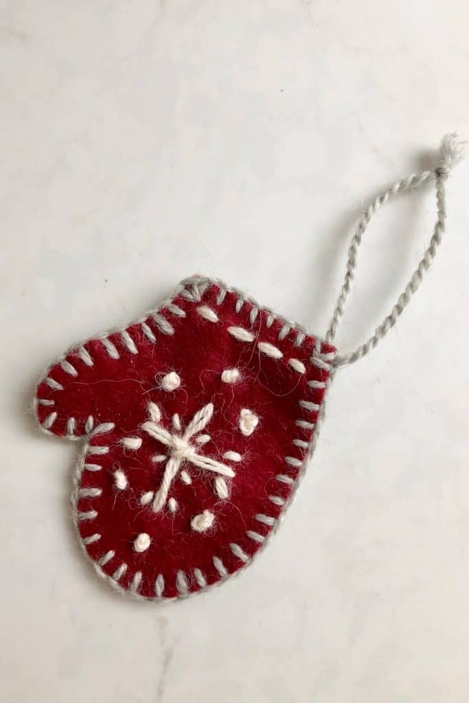 DIY Mitten Ornament for Christmas Tree