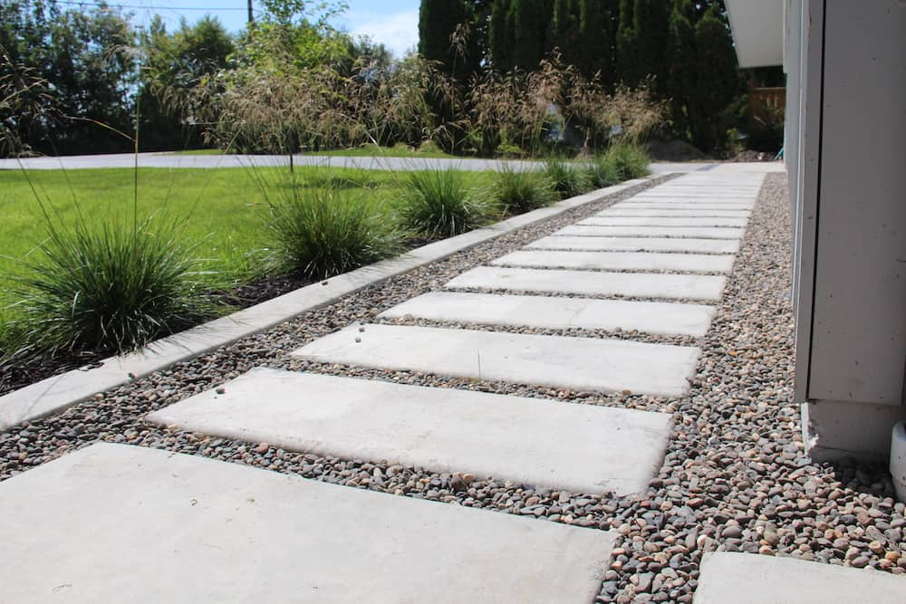 Hardscape Paths for Dog Owners with Lawns